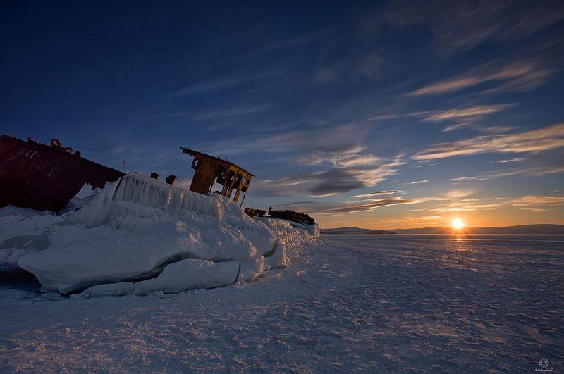 лед, корабль, закат Ледяная гавань / Baikalphoto preview