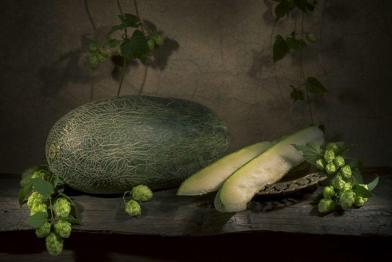 С узбекской зеленой дыней и хмелемphoto preview
