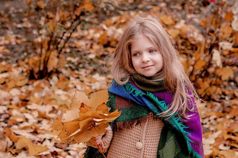 Девочка осень...photo preview