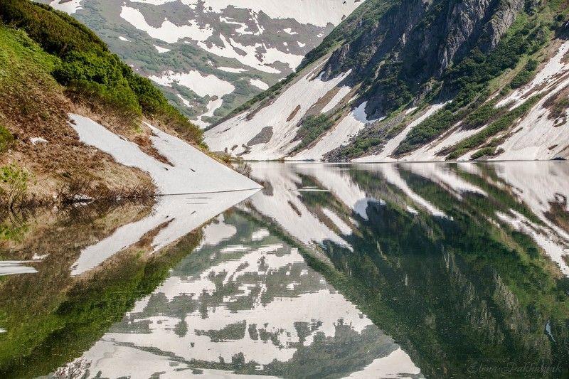 россия,вулкан,камчатка,кольдера,фототур,отражения,кратер,путешествие,экспедиция,треккинг,пейзаж,озеро,горы,снег,день,россия Камчатский имаджинариумphoto preview