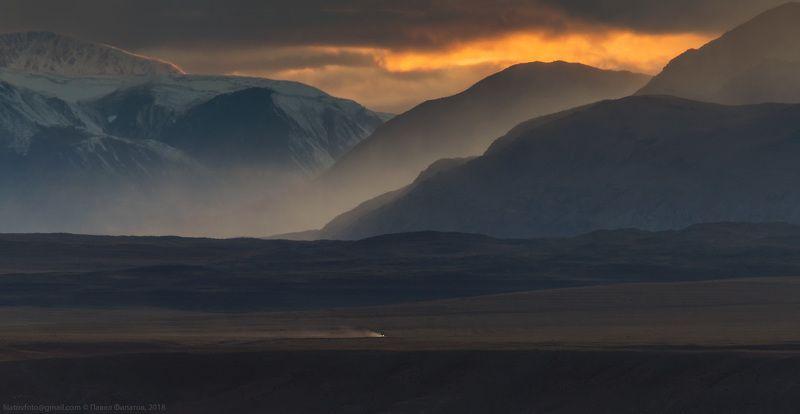 алтай, сибирь, чуйская степь Наедине с горамиphoto preview