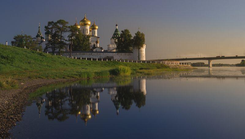 ипатьевский монастырь,утро,рассвет,отражение,кострома,город На рассветеphoto preview