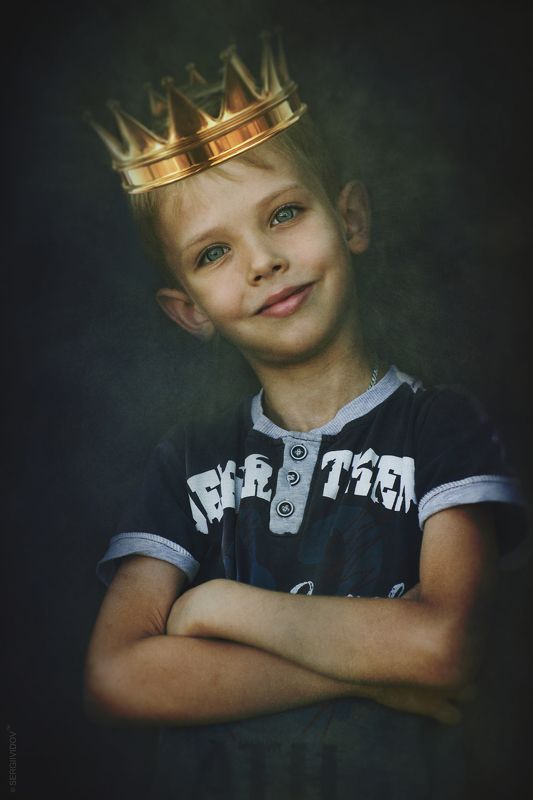 блондин, ребенок, мальчик Королевичphoto preview