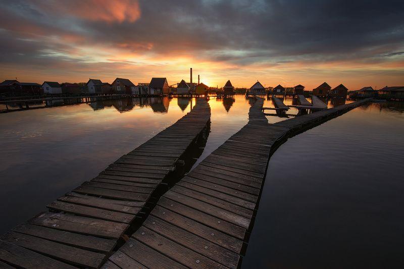 Венгерский городок Бокод на озере...photo preview