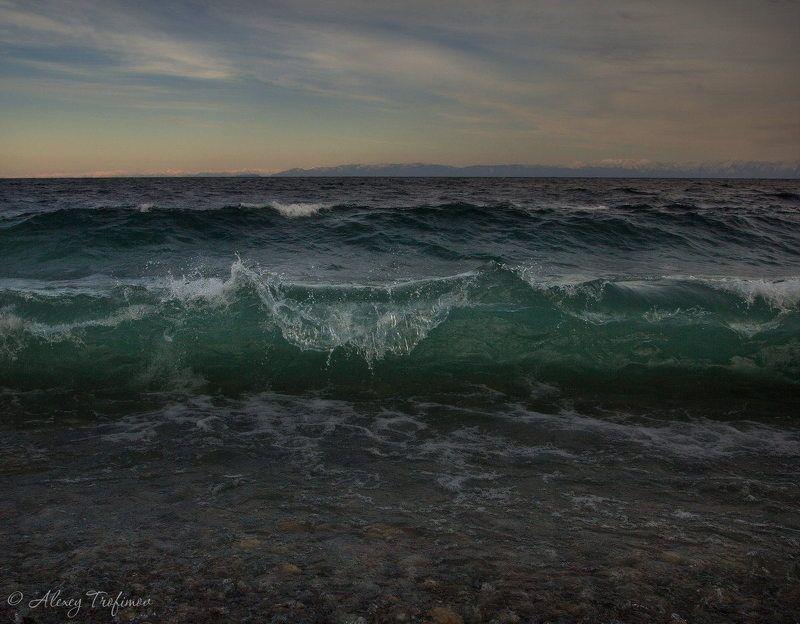 Байкал Первая штормовая волнаphoto preview