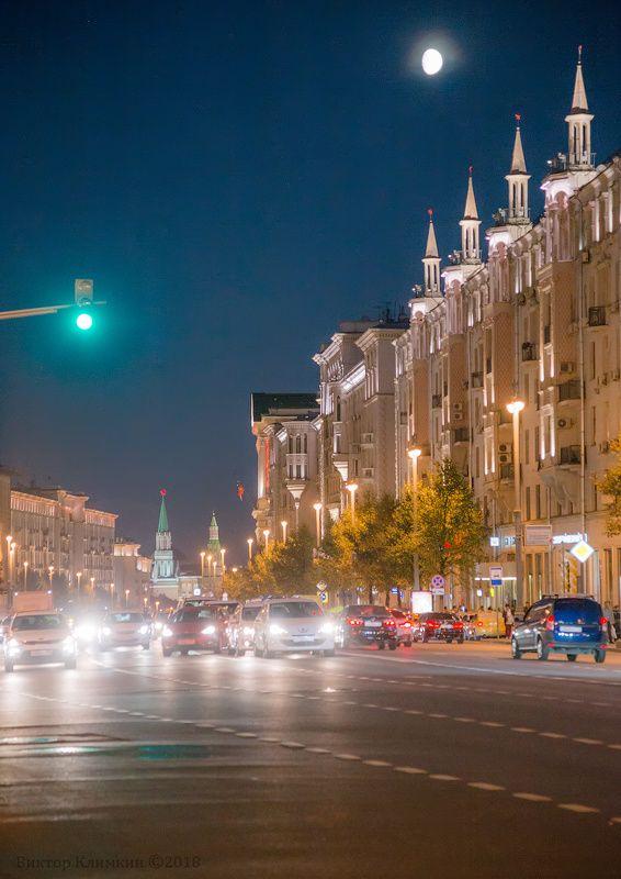 москва, тверская, улица, вечер, светофор, машины Тверскаяphoto preview