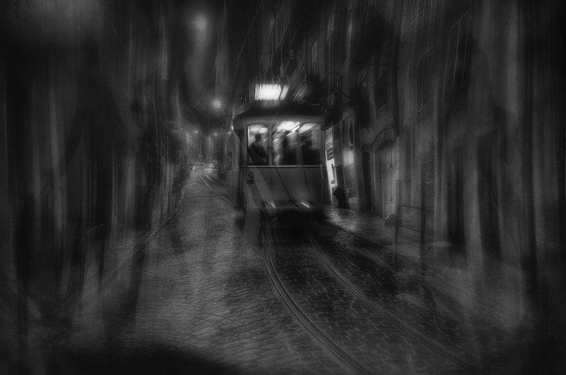В городе призраков...photo preview