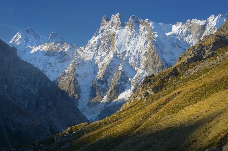 горы осень шхельда Утро в горах,Шхельдаphoto preview
