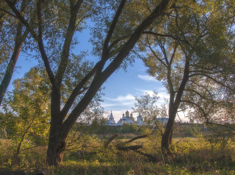 можайск,осень,деревья, природа,монастырь,вера,православие photo preview