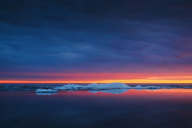 россия, ярославская область, рыбинское водохранилище, ледоход, лед, весна, озеро, закат, пейзаж, природа Рыбинская Исландияphoto preview
