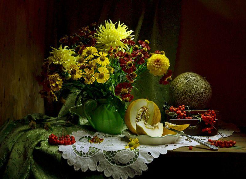 still life,натюрморт, цветы фото натюрморт сентябрь рябина осень дыня георгины гелениум Осенний букет,как прощание с летом...photo preview