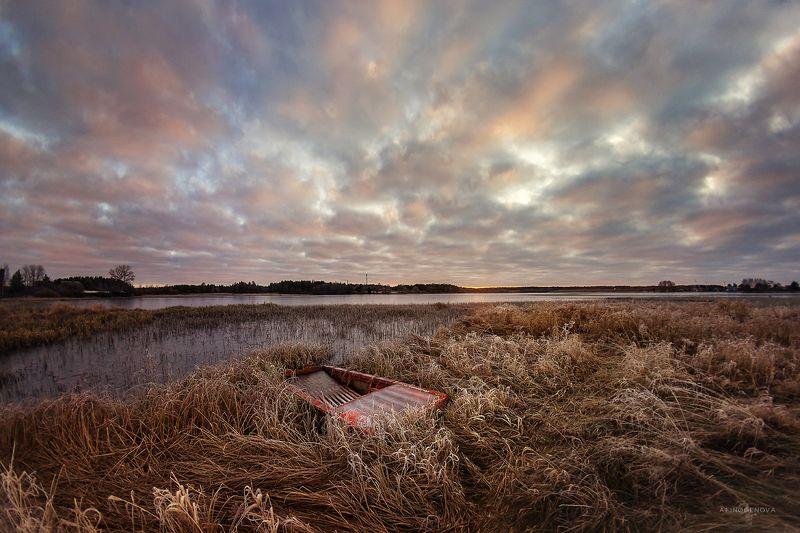 утро, осень, иней, облака, лодка, берег Осенний рассветphoto preview