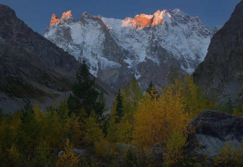 горы осень шхельда Рассвет в горах Кавказаphoto preview