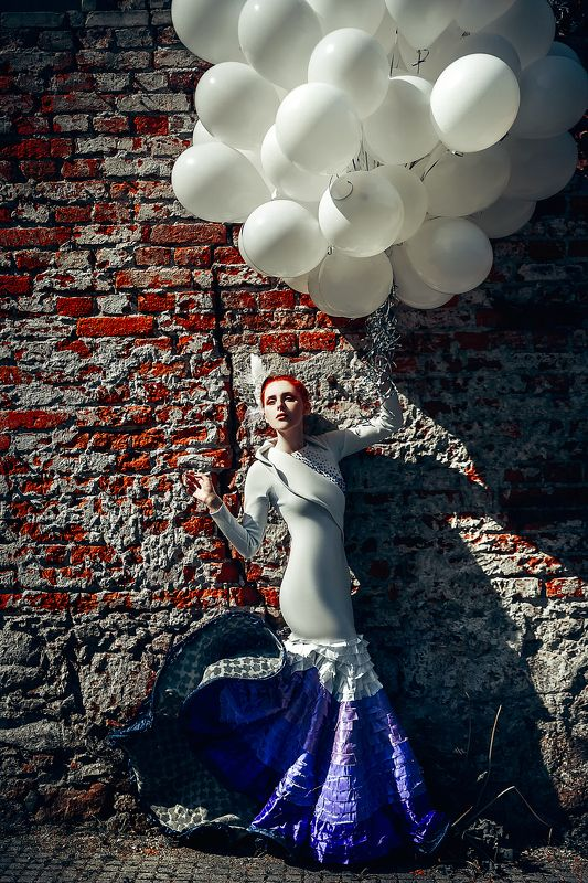 woman, art, portrait, fashion, beauty, conceptual, bloons If you never chase your dreams you will never catch themphoto preview