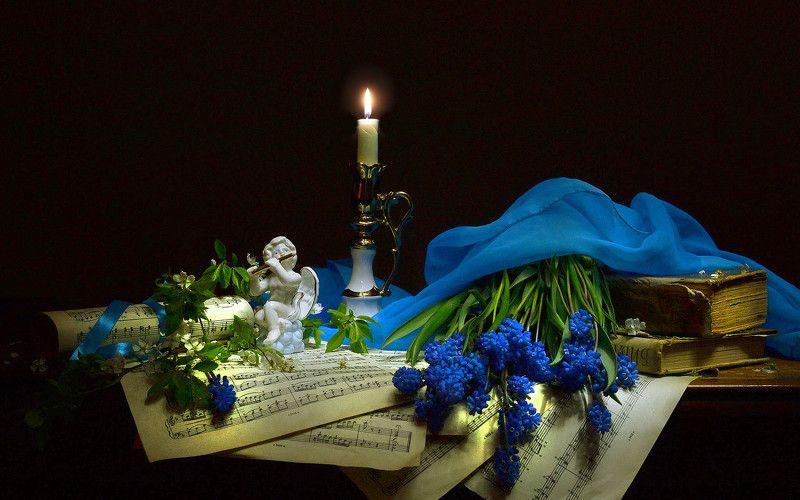 still life,натюрморт,  стихи, мускари, цветы, ноты, свеча, нарциссы, свирель, статуэтка, ангел, ...мне снилось – Музыка звучала...photo preview