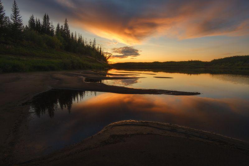 россия, иркутская область, ербогачен, нижняя тунгуска, сибирь, тайга, река, лес, закат, сумерки, отражение, туман, осень Таежные краскиphoto preview