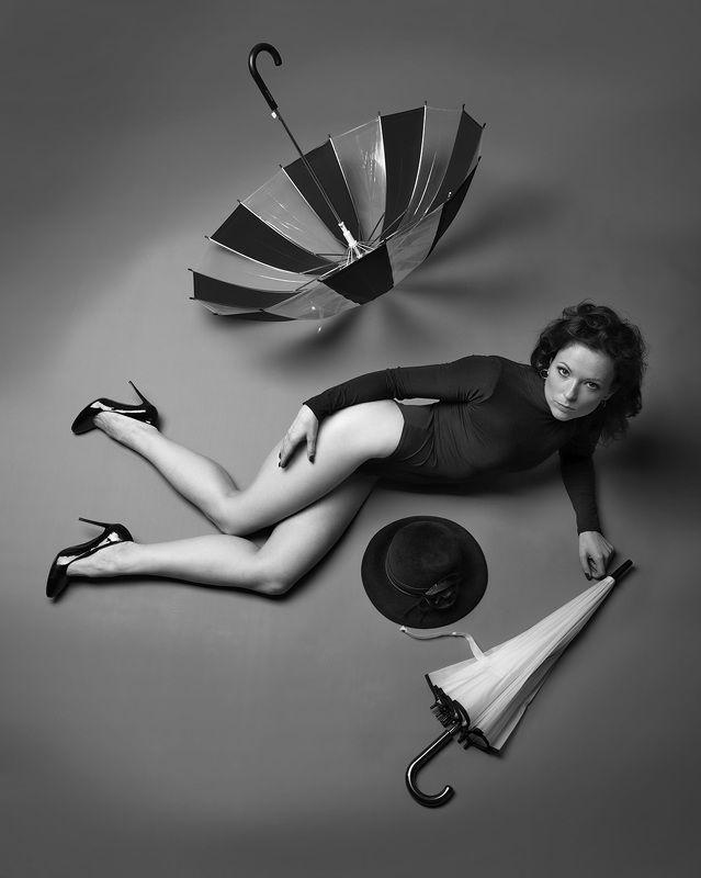 Натюрморт с зонтикамиphoto preview