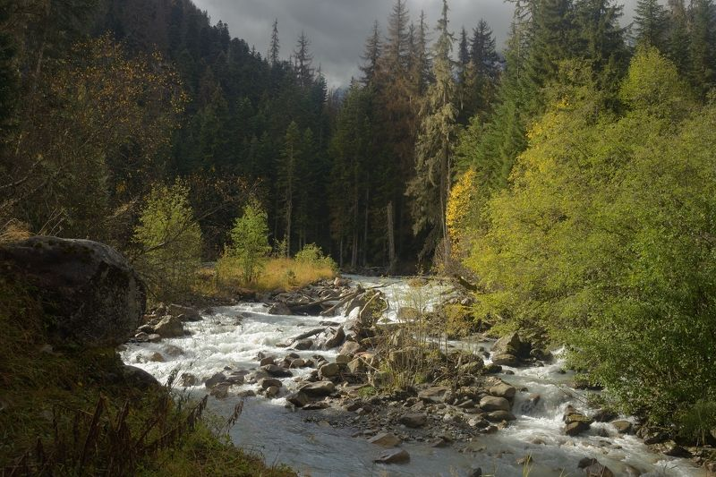 горы осень домбай Осеннее утро ,Бу-Ульгенphoto preview
