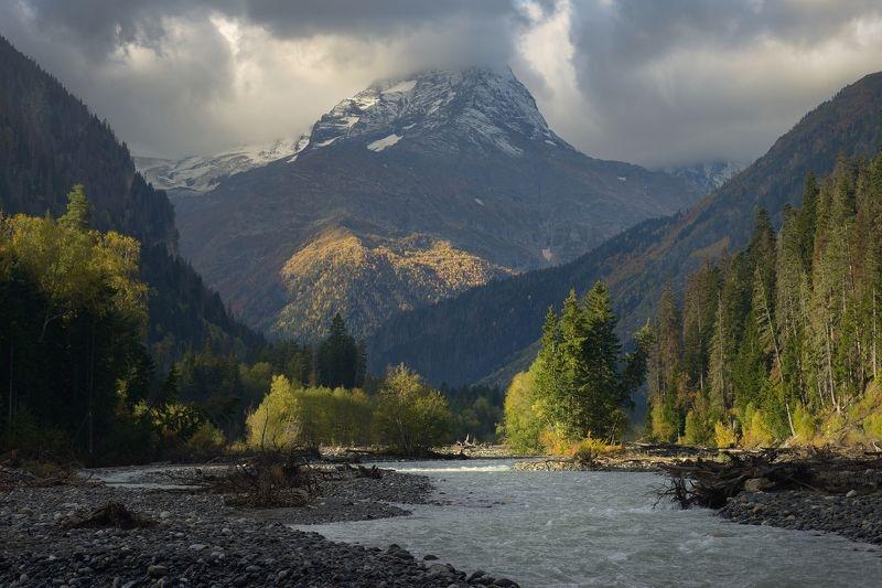 горы осень домбай Рассвет в горах Кавказаphoto preview