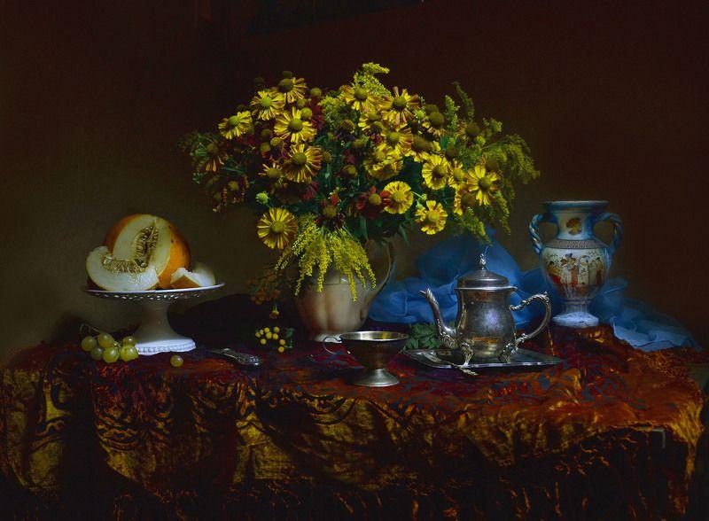 still life,натюрморт,осень, октябрь, фото натюрморт, цветы, настроение,гелениум, фарфор, дыня В октябрь вхожу...photo preview
