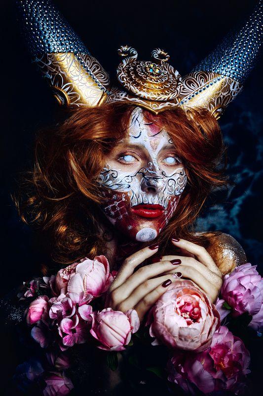 woman, art, portrait, fashion, beauty, art, bodyart, conceptual, studio Night\'s Queenphoto preview
