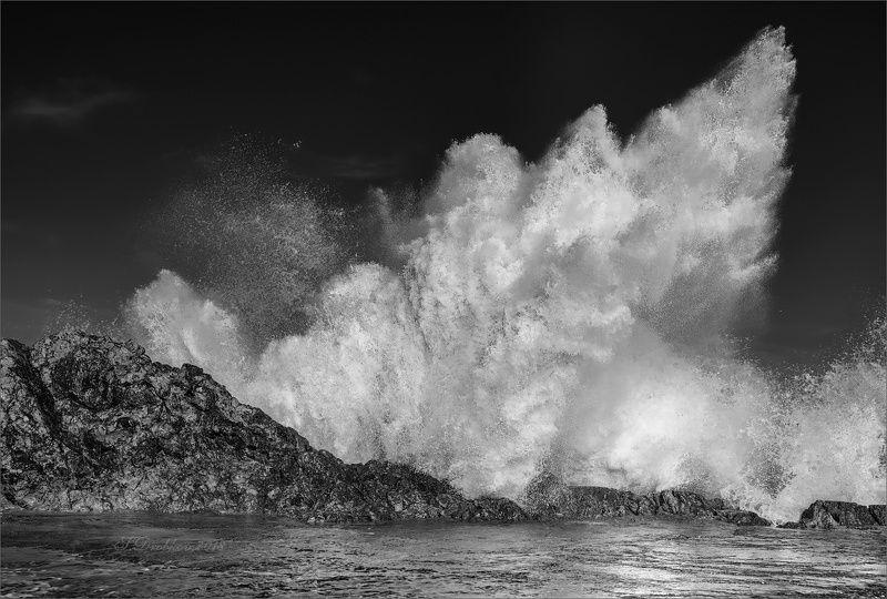 скалы, закат, осень, облака, небо, пейзаж, море Белый огоньphoto preview