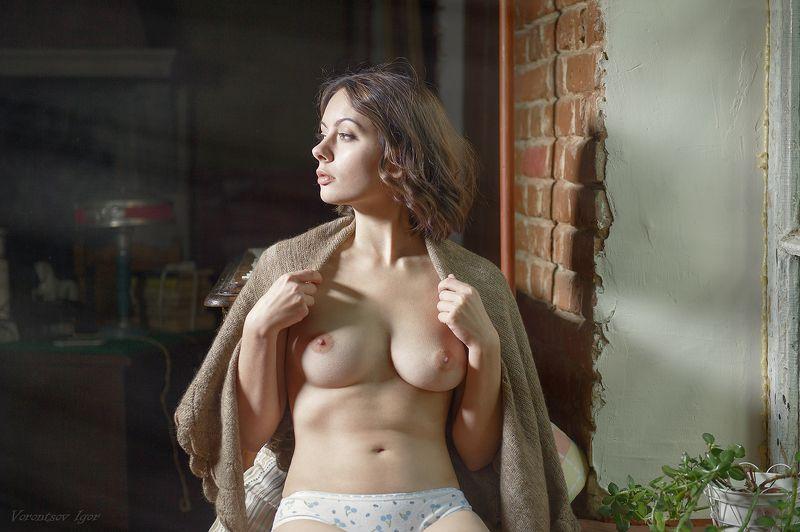 ню, девушка, грудь, обнажённая,окно, винтаж photo preview