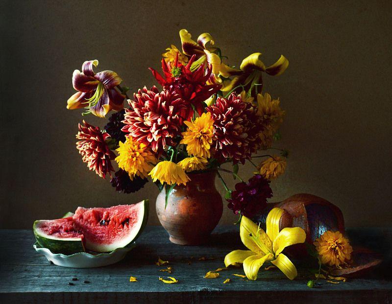 still life,натюрморт, цветы, фото натюрморт ,лилии ,керамика, жёлтые шары ,георгины, арбуз ,август. настроение, Последний августа салют...photo preview