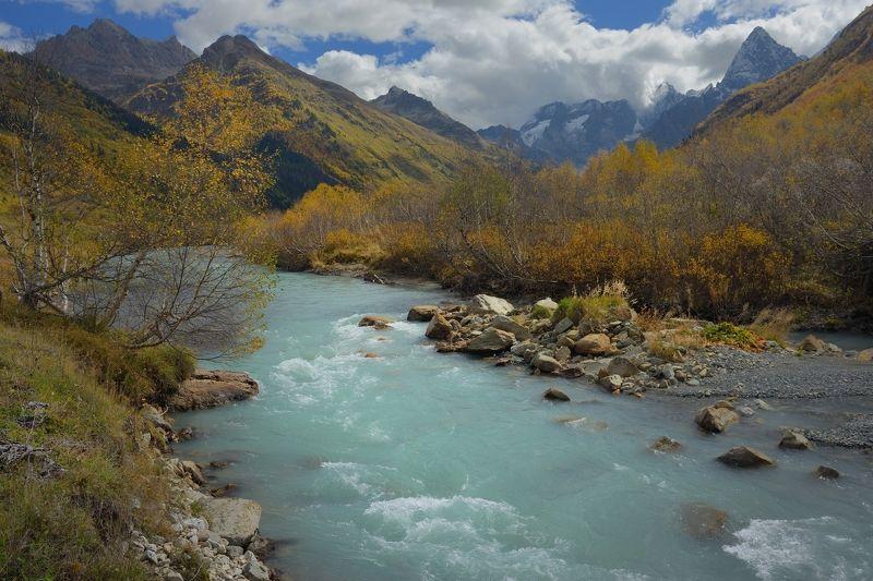 горы осень домбай клухор гоначхир Осенний Гоначхирphoto preview