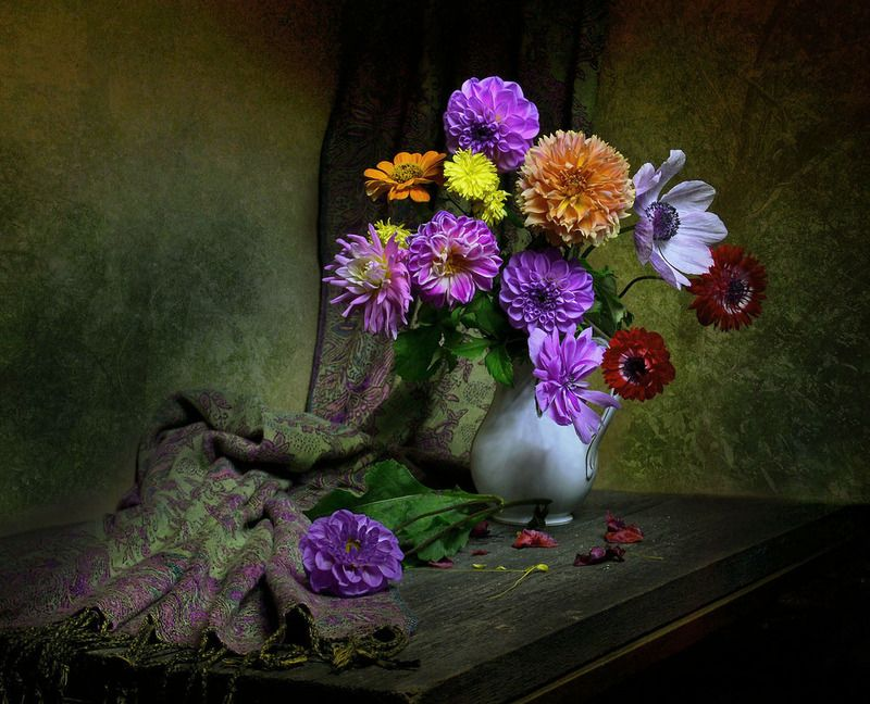 still life,натюрморт,осень, сентябрь, фото натюрморт, георгины, цветы, маки, настроение, Жеманной прелестью цветов...photo preview