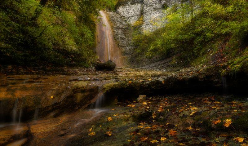 Осень у водопадаphoto preview