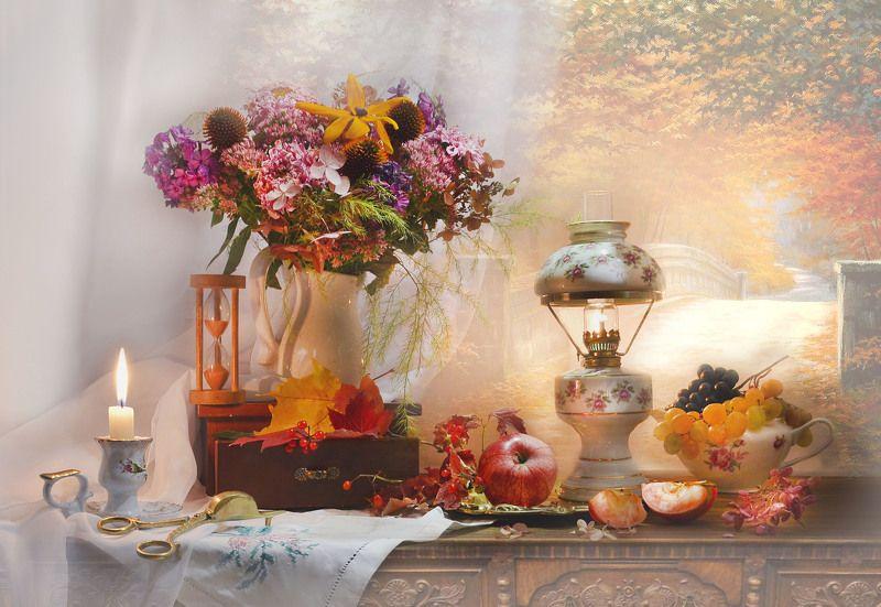 still life,натюрморт,фото натюрморт, осень, октябрь, цветы, керосиновая лампа, фарфор, подсвечник, свеча, песочные часы, калина, виноград, кленовые листья, настроение Осенний блюз поет моя душа…photo preview