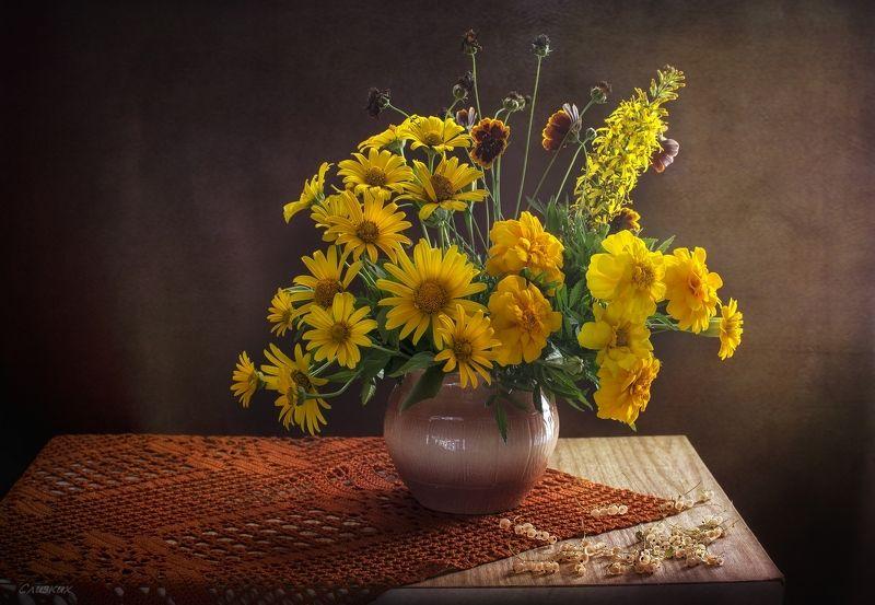 натюрморт,лето,букет,горшок,смородина, свет Жёлтый букетphoto preview