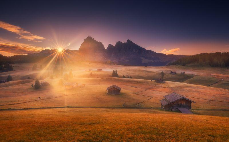 siusi dolomiti italy landscape sunrise mountains cabin clouds  alpe di siusiphoto preview