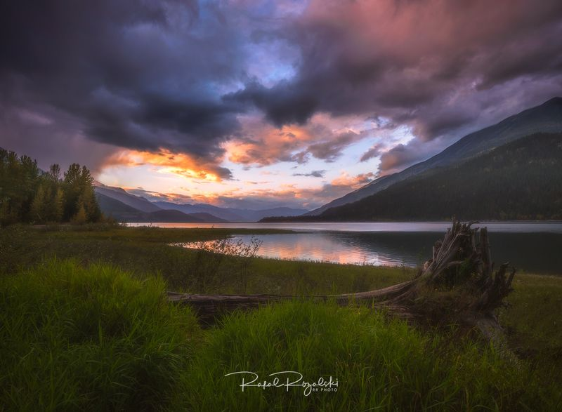 canada, british columbia, revelstoke, landscape, mountains, lake, outdoor, sunset, dramatic, clouds,  Upper Arrow Lake - Revelstokephoto preview