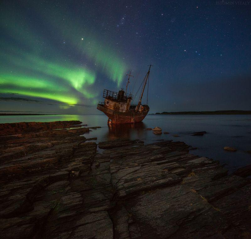 пейзаж,мурманская область,катер,ночь,аврора,панорама,море,рыбачий полуостров,звезды,россия,кольский,север Под покрывалом ночи photo preview