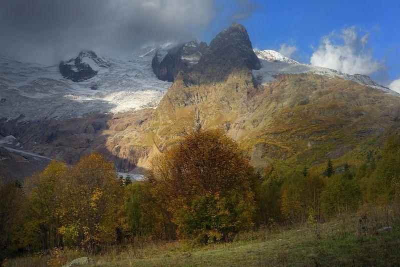 горы осень домбай Утро в горах,Алибекphoto preview