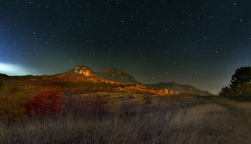 гора,ночь,звезды,бештау,пятигорск Звезды над горой Бештауphoto preview
