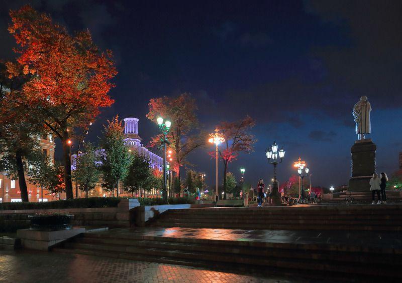 пушкинская площадь, пушкин, памятник, вечер, москва, подсветка Пушкинская. Москваphoto preview