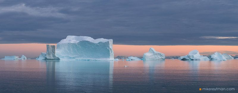 scoresby sound, eastern greenland, icebergs, color, tranquility Пастель из Залива Скорсбиphoto preview