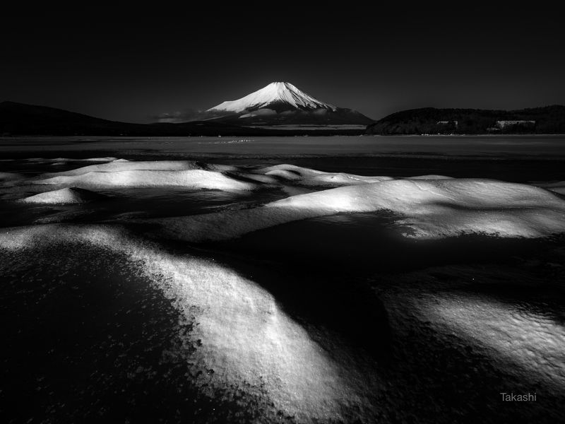 Fuji,Japan,mountain,snow,lake,winter, A small mountain rangephoto preview