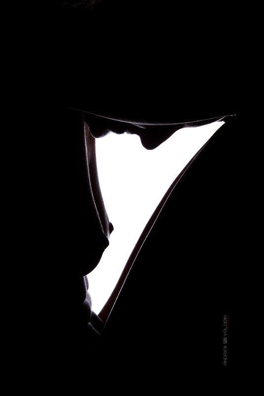 девушка контур котровой свет тень силуэт грудь Светphoto preview