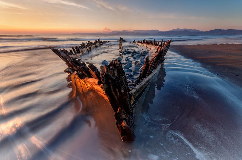 ireland, kerry, rossbeigh, sunset, wreck, boat, ship, beach, iconic, mountains. color, red Sunbeam Wreckphoto preview