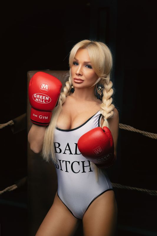 девушка,blonde,блондинка ,  спорт , boxing, красный ,  портрет, portrait, woman, beautiful, красивая , жизнь , life Never give upphoto preview