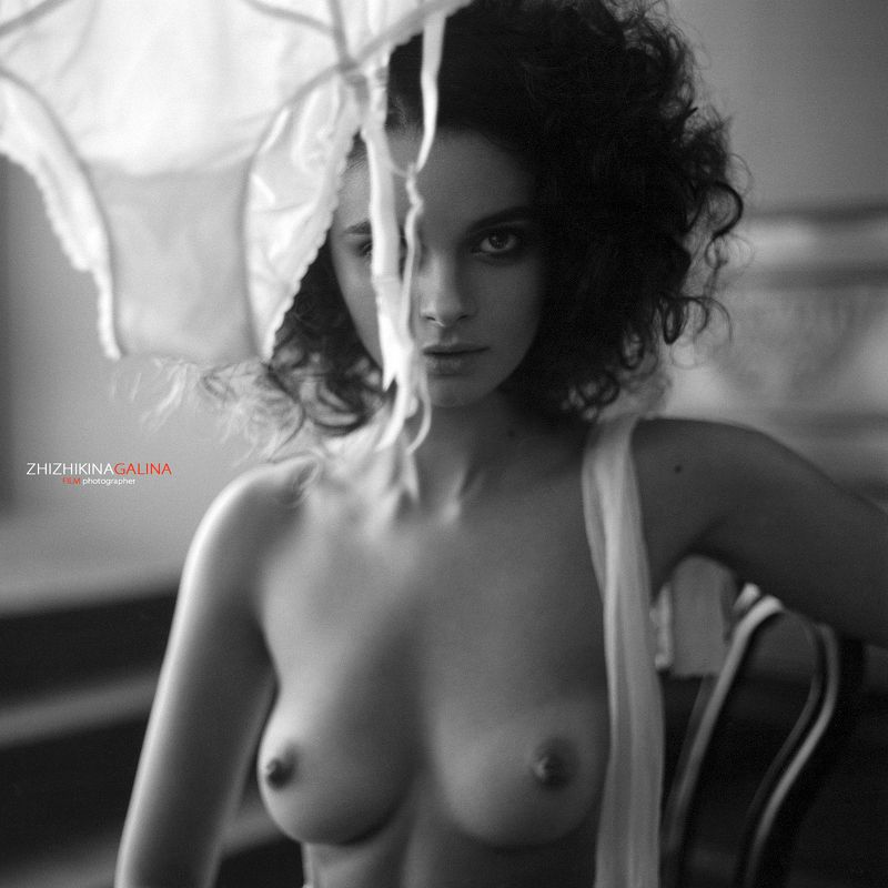 девушка, портрет, ню, артню, топлесс, чб, пленка, фото, фотография, взгляд, nude, nu, portrait, film, bw, 120mm, 6x6 А борьщ я уже приготовила...photo preview