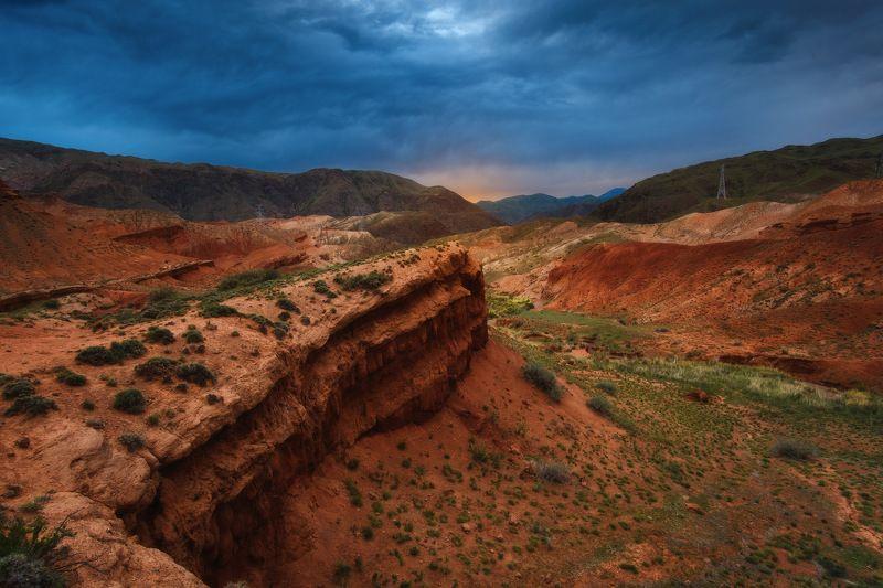киргизия, кыргызстан, средняя азия, горы, каньон, скалы, пейзаж, лето, ущелье, каньон, утро Другие мирыphoto preview