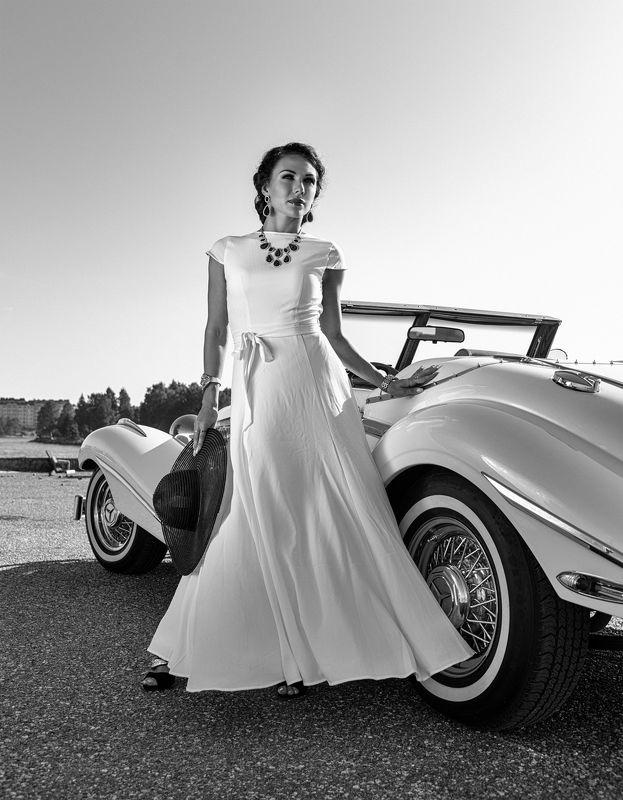 портрет,жанровый портрет , женщина, черно -белое , ретро , автомобиль Ретроphoto preview