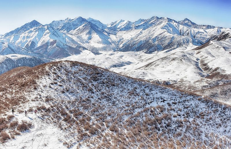 кыргызстан, горы Между осенью и зимойphoto preview