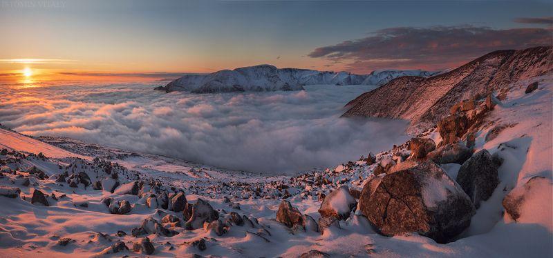пейзаж,россия,хибины,панорама,свет,горы,туман,кольский,север,закат Айкуайвенчоррphoto preview