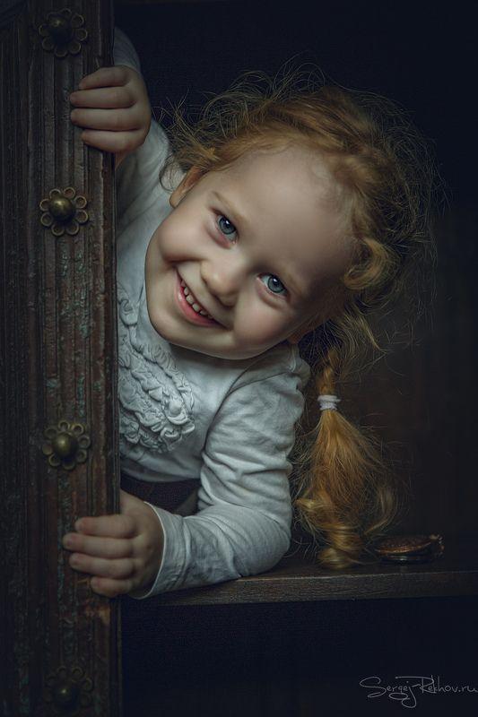 девочка, шкаф, портрет, ребёнок, rekhov Шкодина))photo preview